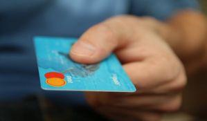 Građani Srbije i dalje slabo koriste kreditne kartice