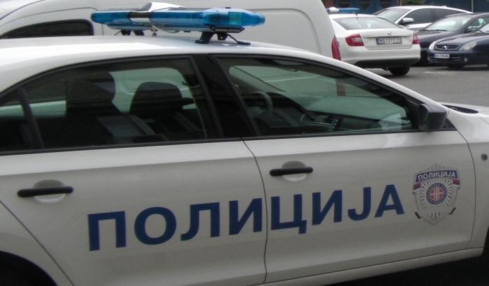 Napao policajca koji ga je sprečio da tuče sina