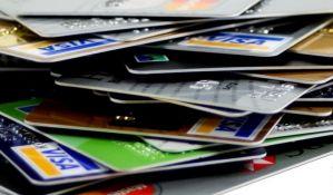 Falsifikovanim karticama podizala novac na bankomatima u Novom Sadu