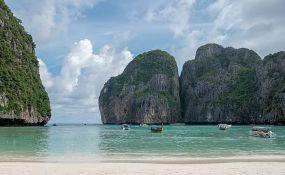 Tajland zatvara najpoznatiju plažu zbog previše posetilaca