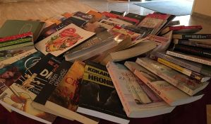 Bazar knjiga za školu