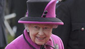 Kraljica zaposlila osobu koja će joj razgaziti cipele