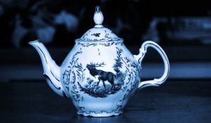 Kupio čajnik za 17 evra, pa ga prodao na aukciji za 650.000 evra