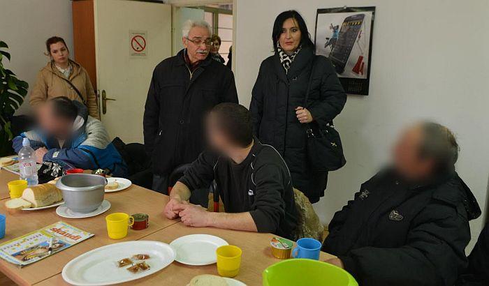 FOTO: Beskućnici zbrinuti na hladnoći