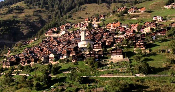 Švajcarsko selo nudi 25.000 franaka strancima da se dosele