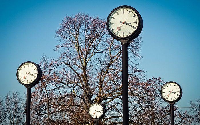 Ukida se pomeranje kazaljki satova u EU od 2019.