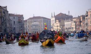 FOTO, VIDEO: U Veneciji počeo karneval na vodi