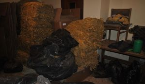 FOTO: Novosadska policija zaplenila 690 kg duvana