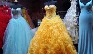 Akcija poklanjanja haljina i odela maturantima preko Fejsbuka