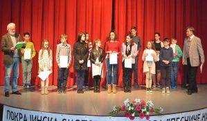 Mlada recitatorka iz Novog Sada učestvuje na republičkoj smotri