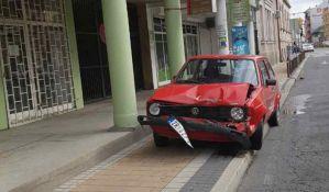 Udes u centru grada, povređena žena