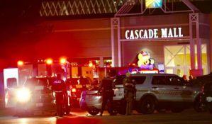SAD: Pucnjava u tržnom centru, petoro ubijenih