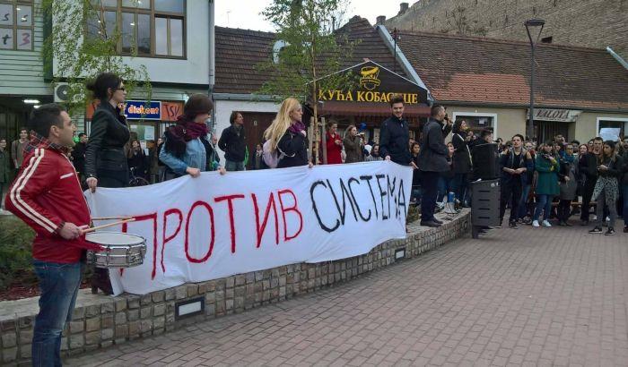 FOTO - Protest protiv diktature: Nije nam potrebna podrška političkih partija