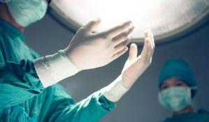 U KCS urađeno prvo presađivanje rožnjače bebi staroj devet dana