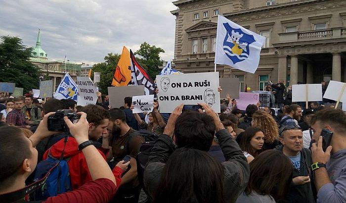 Šetnja kroz Beograd i protest zbog rušenja u Savamali