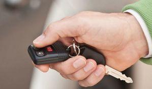 U Novom Sadu na prodaju 10 državnih vozila, najjeftiniji
