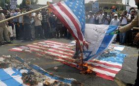 Iran: Masovni protesti protiv SAD, Izraela i džihadista
