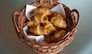 Jeftin bugarski sir u domaćem bureku i kiflicama