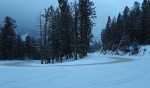 AMSS: Oprez zbog poledice i snega na putevima Srbije