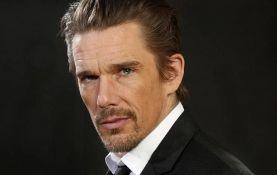 Itan Houk kao Nikola Tesla u biografskom filmu