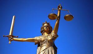Vezali se lancima za vrata suda, 14 uhapšenih u Barseloni