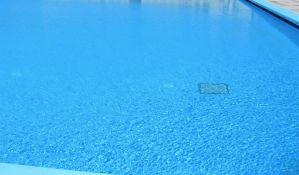 Žena preminula na bazenu u Beogradu