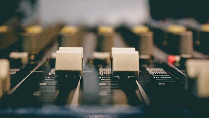 Priča o Radio Somboru, priča o svima nama