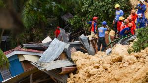 Filipini: Zarobljeni iz ruševina telefonima šalju poruke i traže pomoć