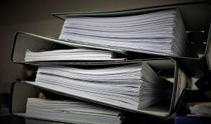 I pored e-uprave, građani i dalje u koštacu sa papirologijom