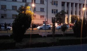 FOTO: Pucnjava u centru Novog Sada, mladić teško ranjen