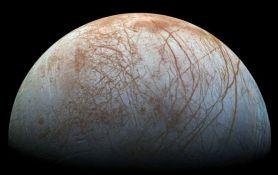Jupiterov mesec Evropa prekriven je kuhinskom solju