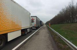 Kamioni na izlaz iz Srbije na Horgošu i Kelebiji čekaju po četiri sata