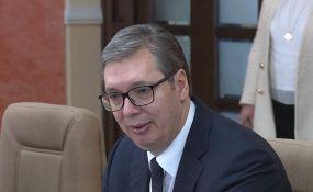 VIDEO: Vučić postao počasni građanin Banjaluke, uručeni mu ključevi grada i povelja