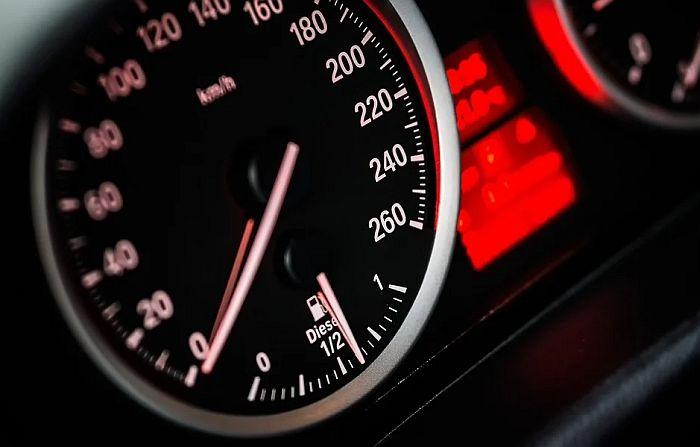 """Za jedan dan otkriveno 4.000 prekoračenja brzine, najveće napravio vozač """"mercedesa"""" kod Čoke"""