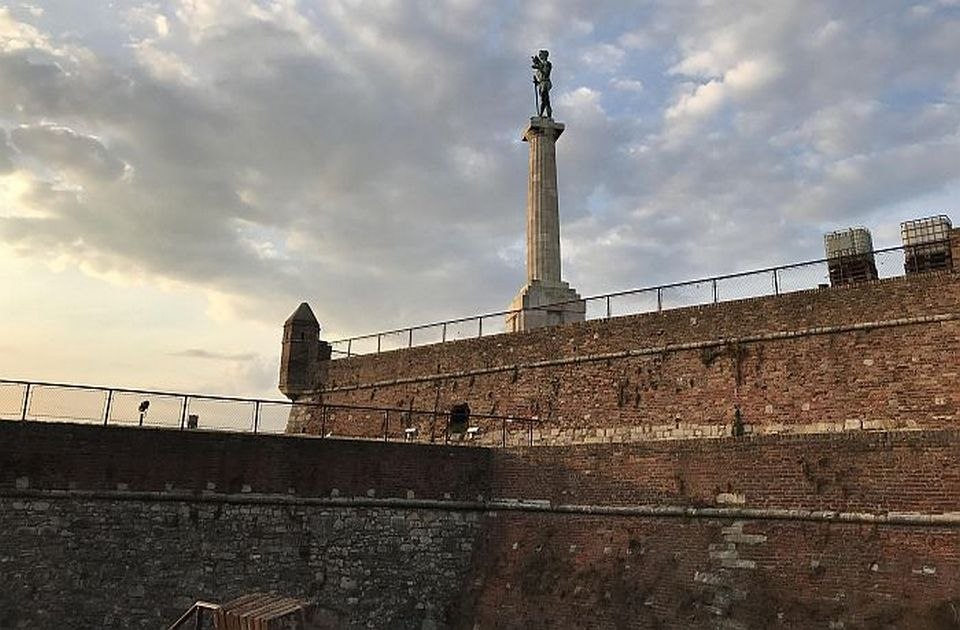 Arsić: Ejmi nije želela da bude na Kalemegdanu, a mi joj podižemo spomenik tamo