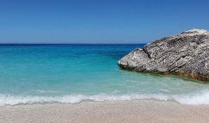 Pesak koji turisti ponesu za uspomenu vraća se na plaže Sardinije