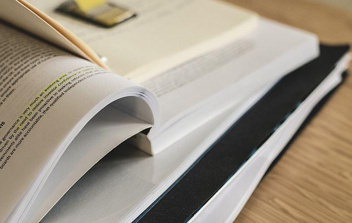 Komplet udžbenika za osnovce oko 7.500 dinara u novosadskim knjižarama