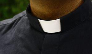 Podignuta optužnica za seksualne delikte protiv pet sveštenika