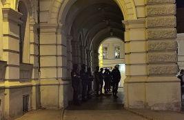 Policija demantuje Narodnu stranku da niko nije odgovarao za demoliranje Gradske kuće
