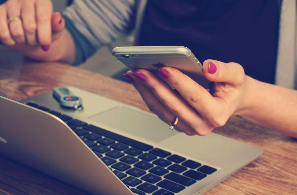 Treba li da se javite na telefon van radnog vremena?