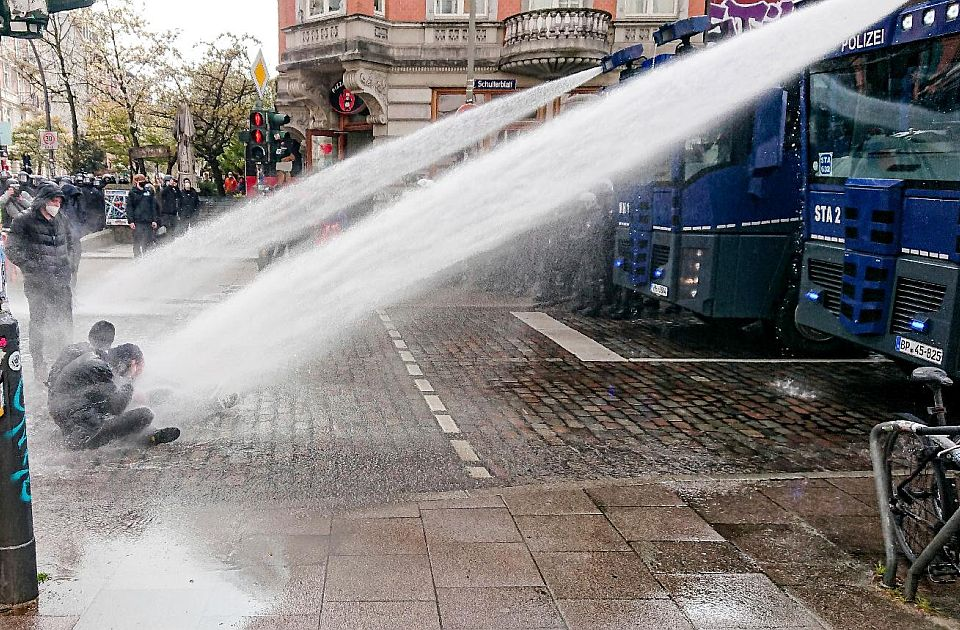 FOTO: Prvomajski protesti u fotografijama