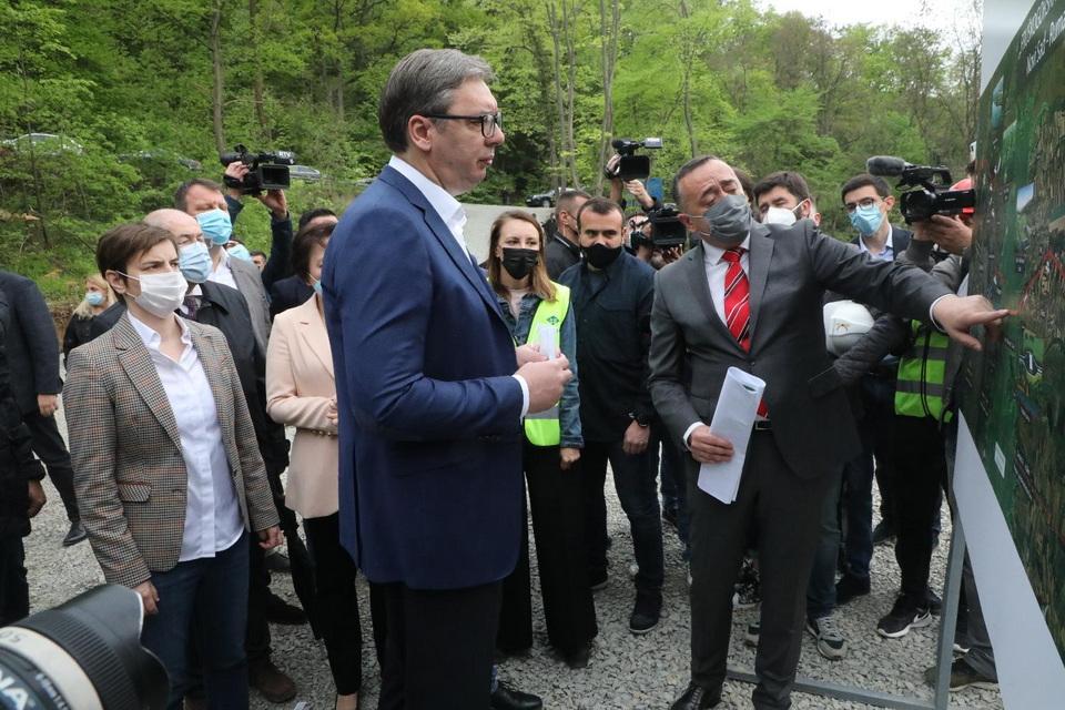 Radno za Prvi maj: Počela izgradnja Fruškogorskog koridora; Vučić: Strmoglavo grabimo u budućnost