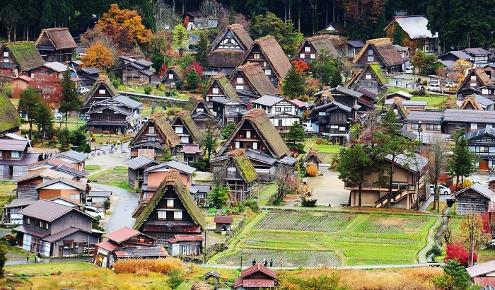 Imaju previše kuća na selu, pa ih poklanjaju