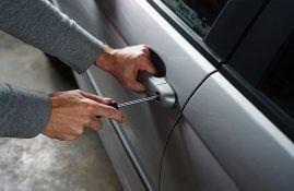 Meštanin Sremske Mitrovice obio kase u auto-servisu i automobil