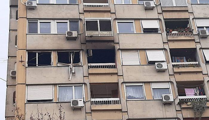 FOTO: Stan na Novom naselju potpuno izgoreo, nema povređenih