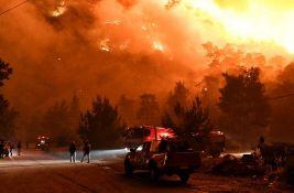 Šumski požar na Korintu, evakuisana sela