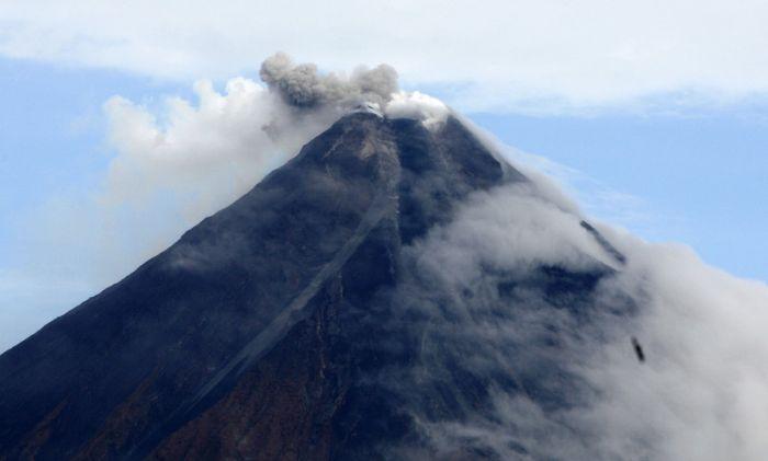 Ponovo proradio vulkan na Filipinima, evakuisane hiljade ljudi