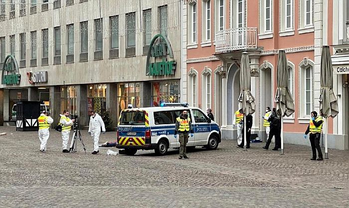 VIDEO: Uleteo automobilom među pešake u Nemačkoj, beba i još troje mrtvih, 15 povređenih