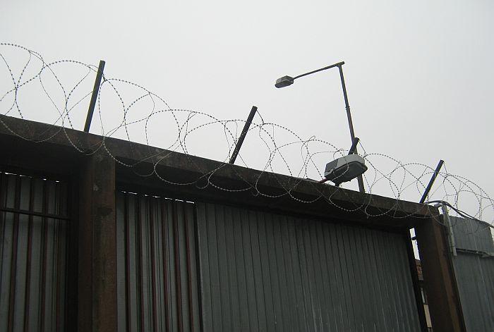 Još mesec dana pritvora optuženom za prebijanje i mučenje devojke na Podbari