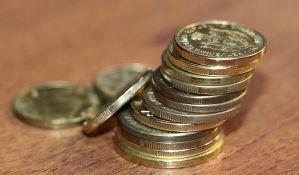 Privreda jenjava, a plate rastu